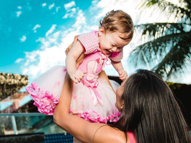 7 sfaturi pentru a face fata cu brio provocarii de a pleca in vacanta cu copilul