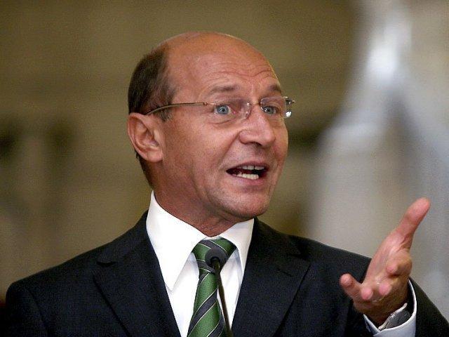 Basescu: Este greu sa gasesti un individ cu un caracter mai mizerabil decat Dragnea