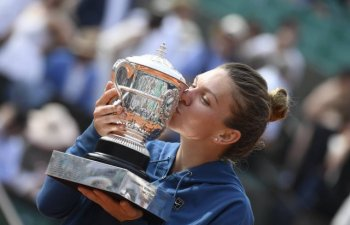 Halep va prezenta trofeul Roland Garros, luni, la Arena Nationala