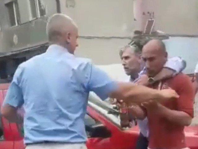Recidivistul acuzat de violarea unei taximetriste a fost prins de politie / VIDEO