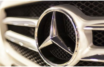 Decizia autoritatilor germane in cazul emisiilor diesel Mercedes: 774.000 de vehicule din Europa vor fi chemate in service pentru actualizarea softului motoarelor