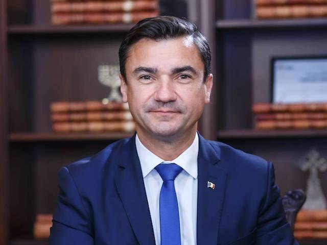 """Mihai Chirica: """"Unde sunt legile votate noaptea pentru constructia de autostrazi, de spitale?"""""""