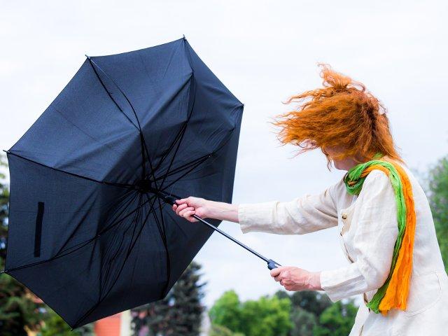 7 sfaturi esentiale pe care sa le urmezi in caz de furtuna