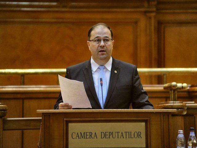 Pascan (PMP): UDMR nu a sustinut motiunea de cenzura fiindca a primit oficializarea limbii maghiare in administratie