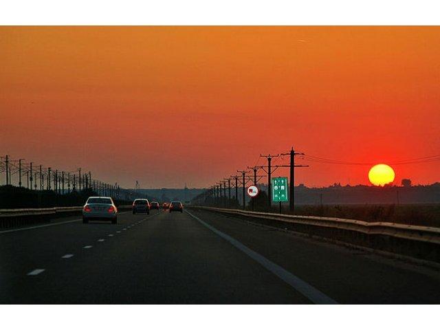 """Proiect pentru eliminarea taxei de pod de la Fetesti: """"Exista doua taxe pentru acelasi drum public"""""""