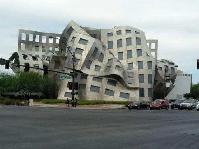 Cladiri superbe care sfideaza normele arhitecturii