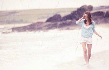 8 moduri eficiente si distractive de a-ti petrece timpul la mare atunci cand ploua