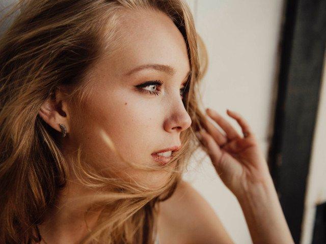 Uita de pielea uscata: 8 remedii naturale pentru o piele catifelata si stralucitoare