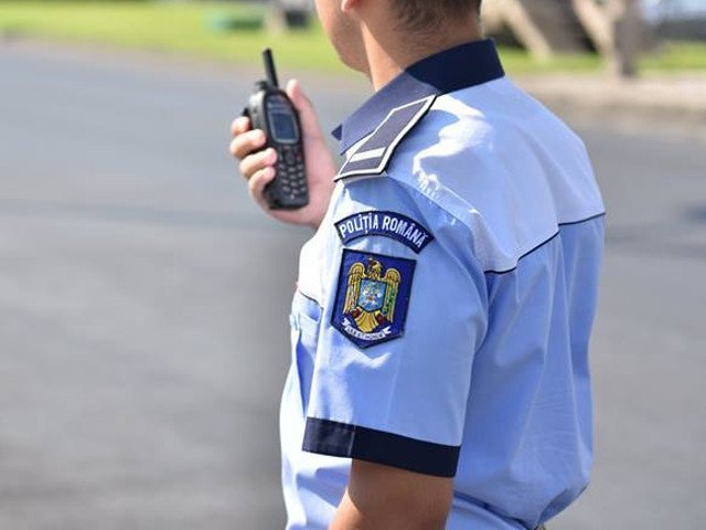 Un politist a refuzat mita oferita de un barbat cercetat pentru furt