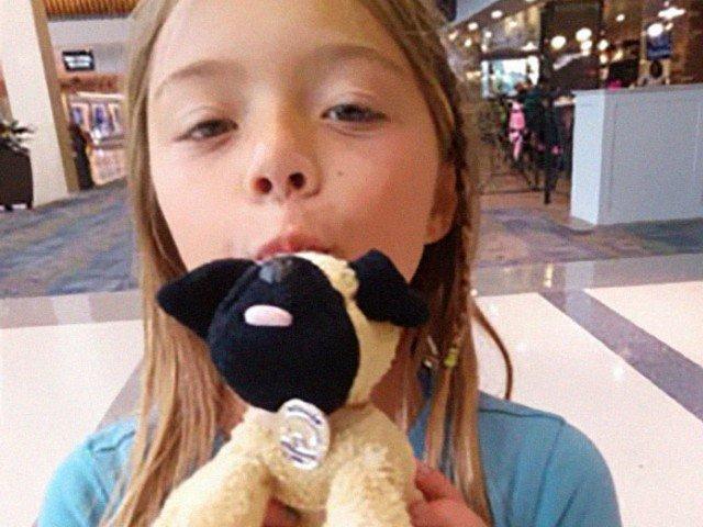 Surpriza facuta de angajatii unui aeroport unei fetite care isi pierduse jucaria de plus favorita