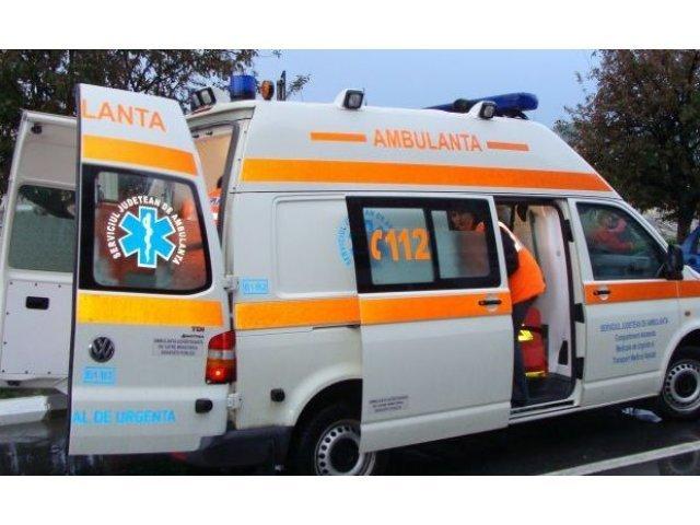 O fata in varsta de 18 a murit in Craiova, dupa ce masina in care se afla s-a rasturnat