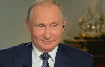 Momentul in care Vladimir Putin izbucneste in ras cand un jurnalist ii adreseaza o intrebare incomoda/ VIDEO