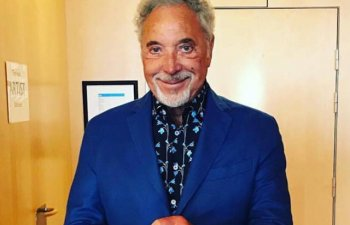Tom Jones, in spital din cauza unei infectii bacteriene