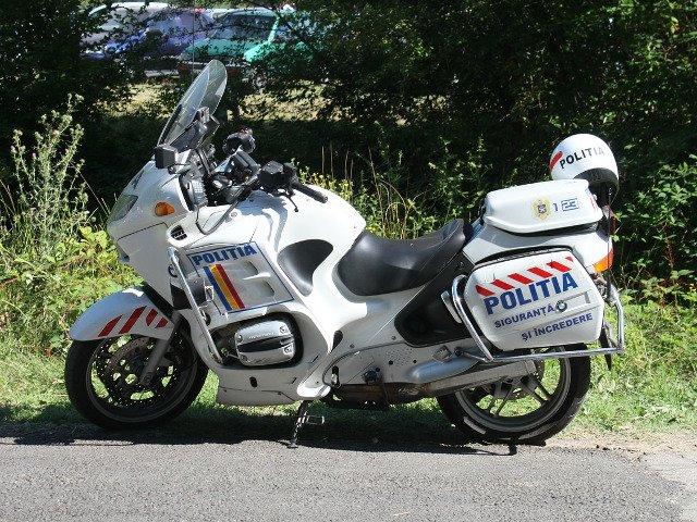 Un politist pe motocicleta a murit in urma unui accident rutier