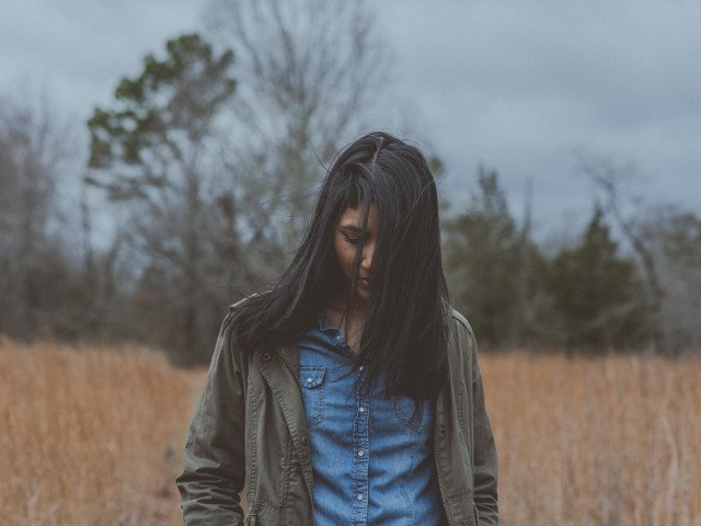 Sunt creativi si buni scriitori. 9 trasaturi ascunse ale introvertitilor