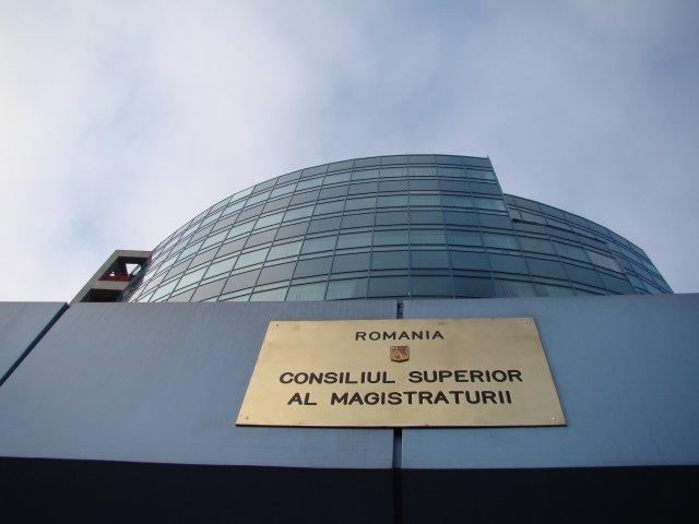 CSM decide suspendarea din functie a procurorilor Lucian Onea si Mircea Negulescu