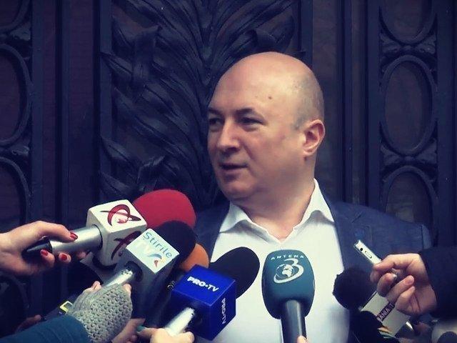 Codrin Stefanescu: Posesorul acestui autoturism sfideaza milioane de simpatizanti ai partidului