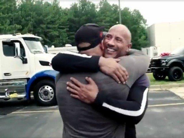 Surpriza lui Dwayne The Rock pentru dublura care ii face cascadoriile / VIDEO