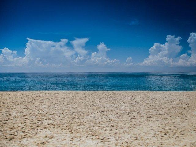 O femeie a fost gasita moarta pe o plaja din Mangalia