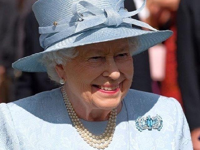 7 legi pe care Regina Elisabeta nu este nevoita sa le respecte
