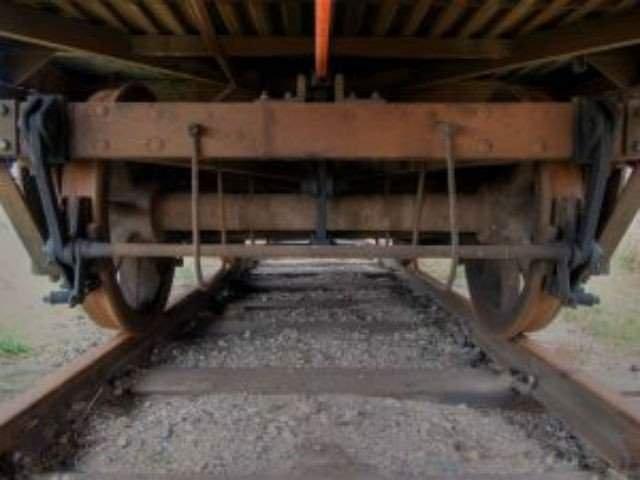 Un tren cu 23 de vagoane a deraiat pe raza localitatii Carcea