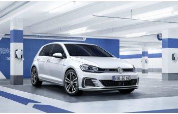Volkswagen ar putea rechema in service 124.000 de masini electrice si plug-in hybrid: germanii au folosit un metal periculos in sistemele de incarcare