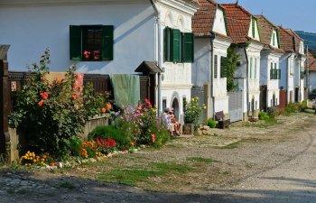 Sase locuri deosebite din Romania pe care sa le vizitezi vara asta