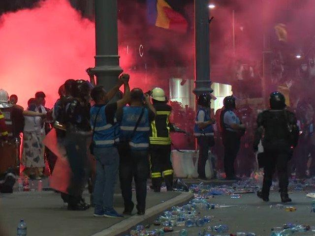 Jandarmeria Romana: Materialele folosite la protestul din 10 august sunt neletale