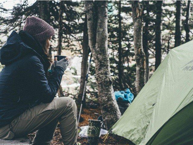 10+ lucruri pe care sa nu le faci cand mergi cu cortul in drumetie