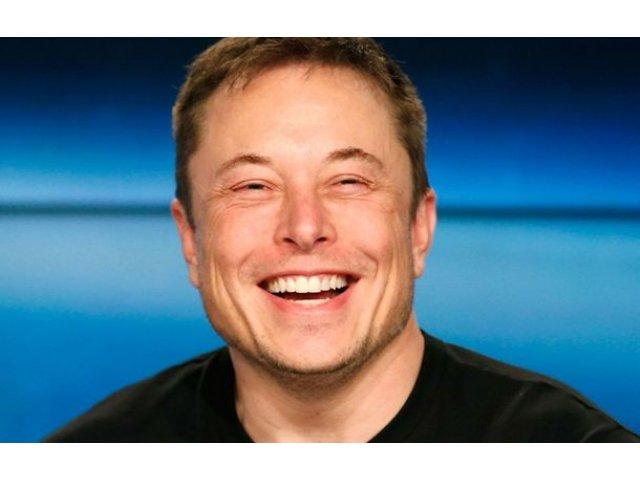 """Tesla renunta la planurile de delistare de la bursa: """"Este cea mai buna solutie"""""""