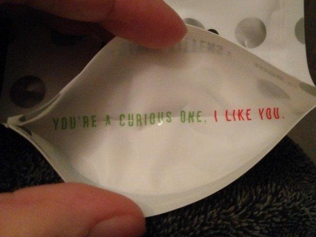 """10+ mesaje """"ascunse"""" pe care nu te-ai astepta sa le gasesti pe etichetele anumitor produse"""