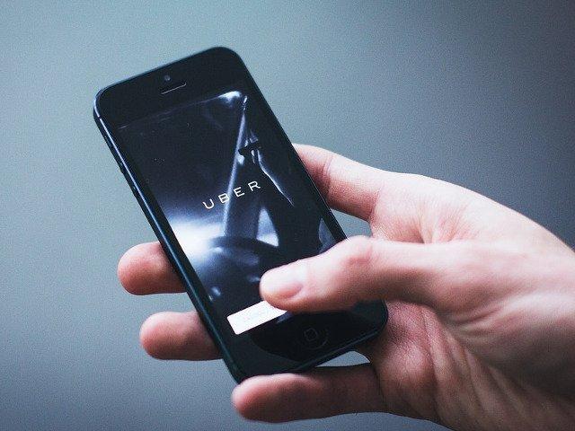 Uber lanseaza si in Romania noua aplicatie realizata alaturi de soferi, pentru soferi