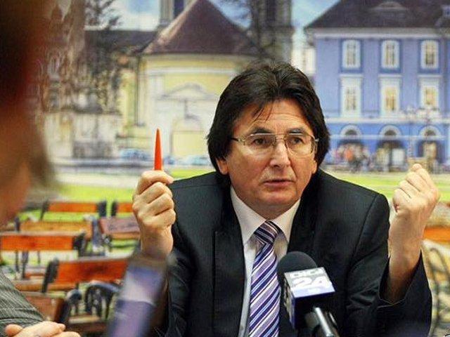 Primarul Timisoarei, Nicolae Robu va permite organizarea unui protest anti-primarie chiar in fata institutiei