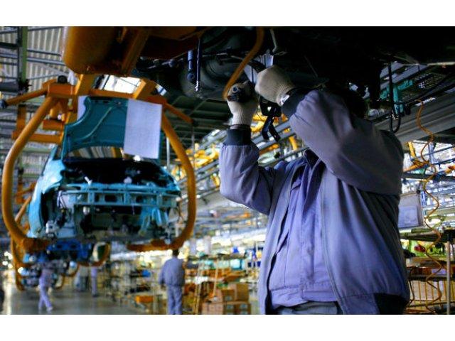 Studiu: Accelerarea adoptarii masinilor electrice in Europa va afecta numarul locurilor de munca, inclusiv in Romania