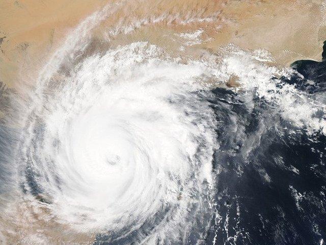 Uraganul Florence a evoluat rapid, atingand intr-un ritm accelerat gradul 4