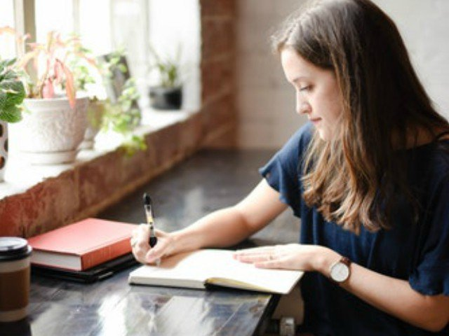 11 motive grozave si inteligente pentru care merita sa iti faci un jurnal
