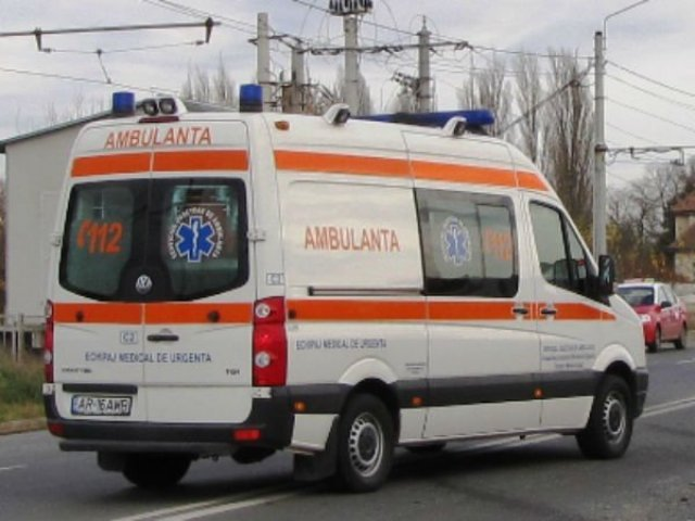 O persoana a murit si trei au fost ranite in urma unui accident rutier petrecut pe DN 2