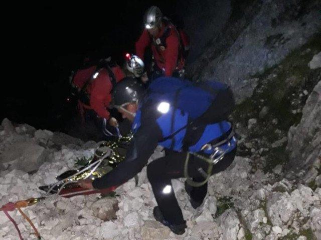 O turista a murit dupa ce a cazut intr-o prapastie din Muntii Piatra Craiului