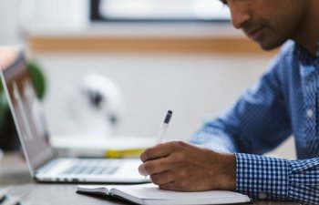 12 greseli pe care sa le eviti cand incepi un nou loc de munca