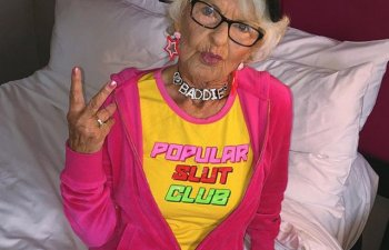 Tinerete fara batranete. 10 bunici care refuza sa isi arate varsta