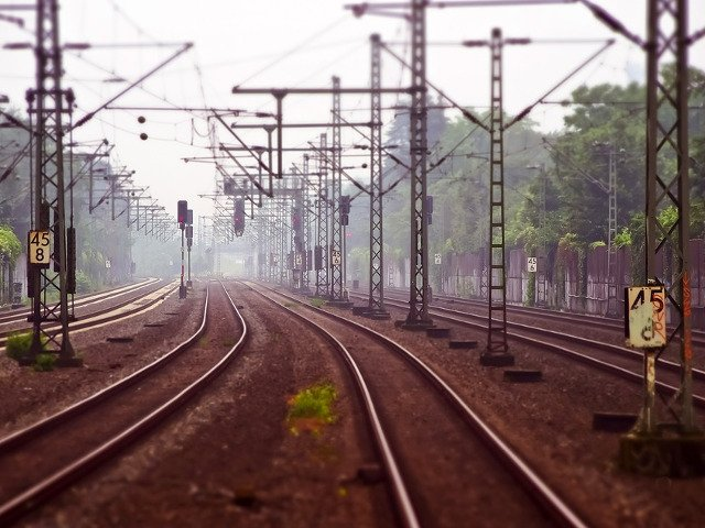 Trenuri si vagoane suplimentare spre si dinspre Iasi, cu ocazia Sarbatorii Sfintei Parascheva