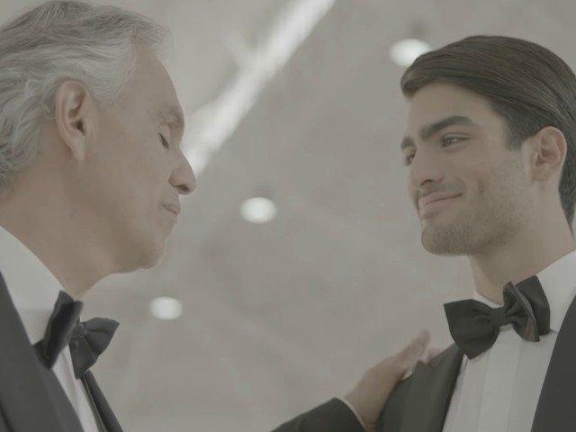 Andrea Bocelli a cantat pentru prima oara cu fiul sau / VIDEO