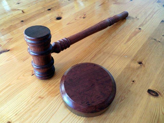 Barbatul suspectat ca si-a sechestrat concubina timp de mai multi ani, sub control judiciar