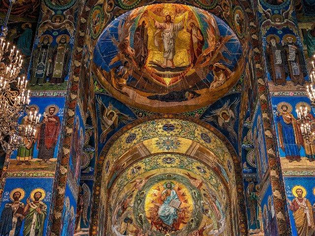 Patriarhia Constantinopolului a recunoscut o Biserica Ortodoxa independenta a Ucrainei. Reactii din presa locala si de la Moscova
