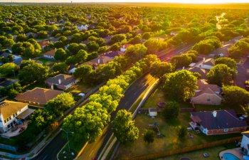 3 beneficii mai putin cunoscute ale vietii in suburbii. De ce sa locuiesti in afara orasului