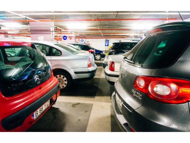 Prima parcare de tip park&ride din Bucuresti se deschide in noiembrie in Straulesti: tarif de un leu pe ora si capacitate de 650 de masini