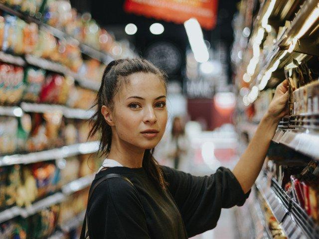 """Studiu: Un sfert dintre aditivii alimentari, """"riscanti"""" pentru sanatate"""
