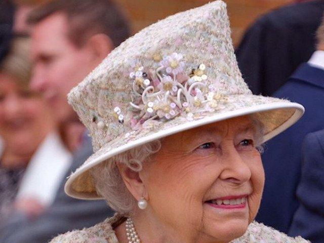 9 lucruri obisnuite pe care Regina Elisabeta nu le-a facut niciodata