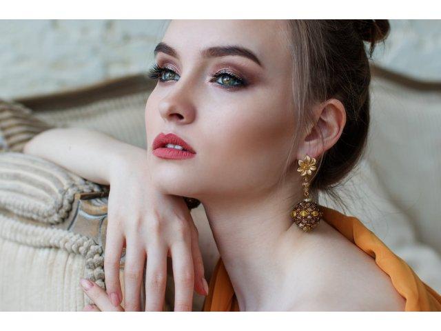 8 sfaturi de ingrijire pentru tenul acneic sau cu pete rosii