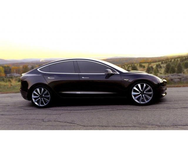 Noi probleme pentru Tesla: constructorul american, investigat de FBI pentru raportari false despre productia lui Model 3